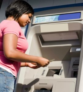 woman-at-atm